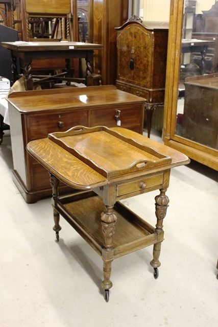 A Quality Tray Top Oak Tea Trolley