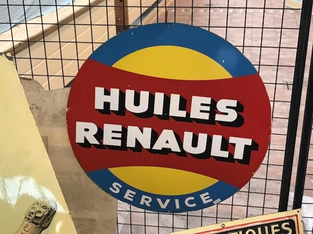 ARRIVING NOVEMBER Huiles Renault Service Advertising Sign
