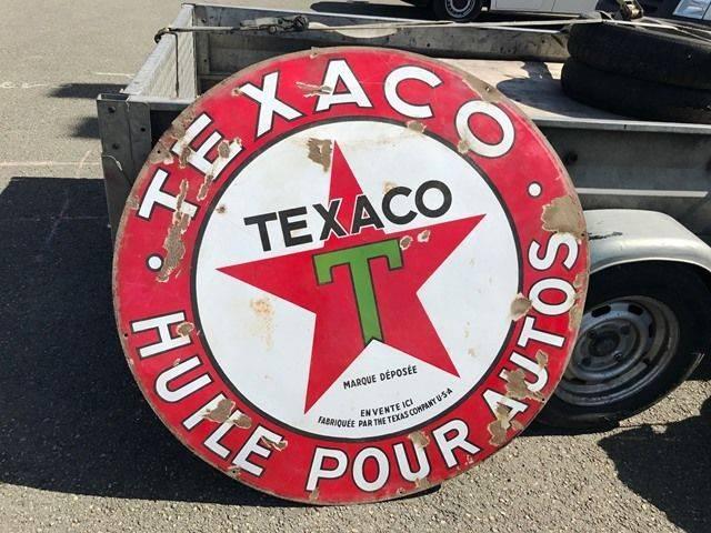 ARRIVING NOVEMBER Texaco Huile Pour Autos Enamel Sign
