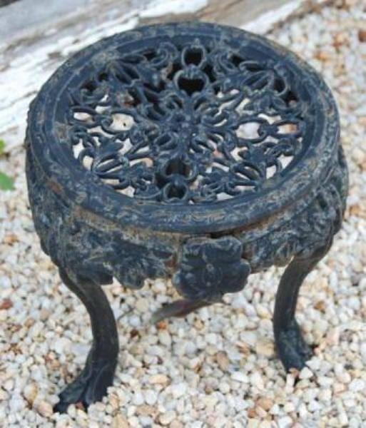 Cast Iron Plant Stand --- CI 13