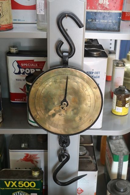Antiques Salters No 20  250 Lbs Scales