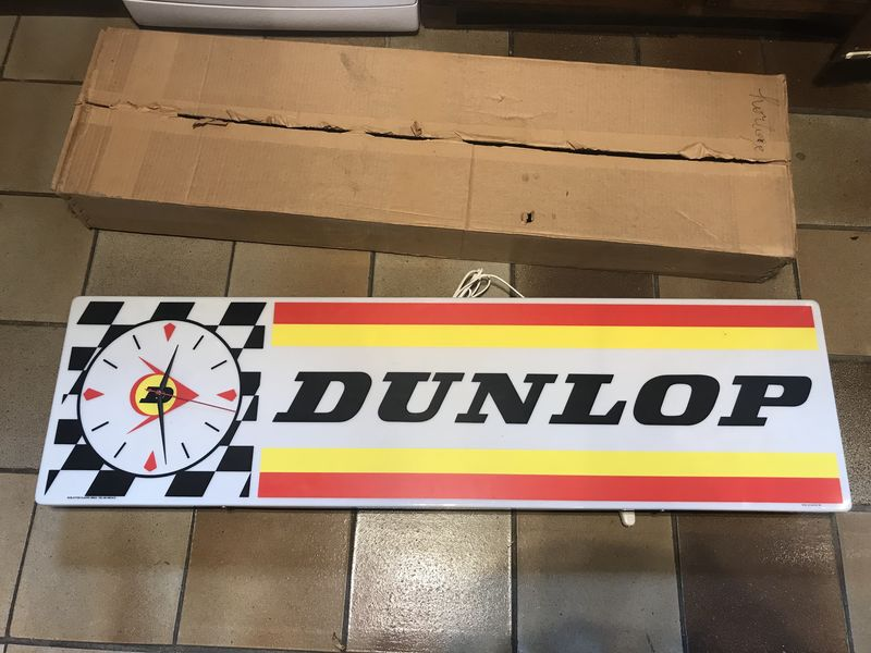 Dunlop Tyreand39s Advertising Clock