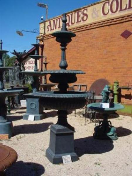 CAST IRON WINDSOR FOUNTAIN --- CI 73