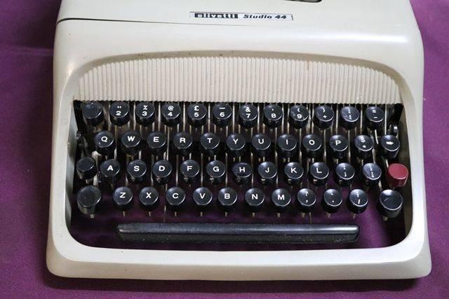 Vintage Olivetti Studio 44 Portable Typewriter Case + Key