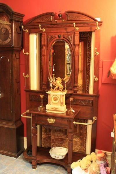 Quality Antique English Walnut Hallstand
