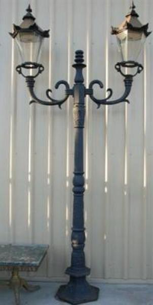 2 Branch Cast Iron Garden L -- CI 18