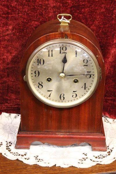 8 Day Mahogany Case Mantle Clock
