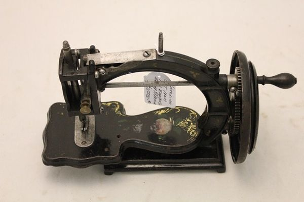 Victorian Cast Iron New England Sewing Machine