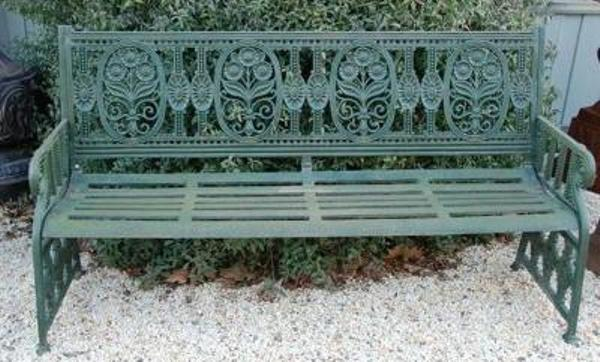 Cast Iron Winsdor Bench --- CI 12