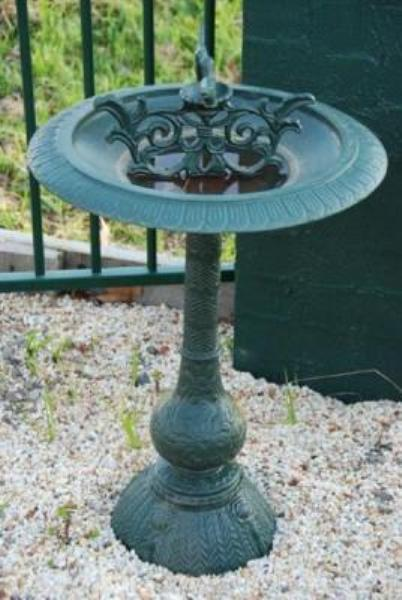 Bird Bath in Cast Iron --- CI 11