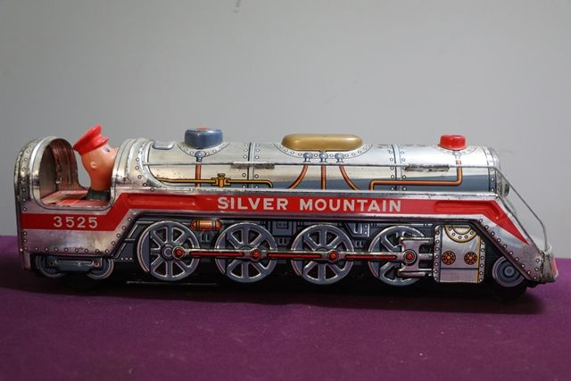 Battery Operated  Vintage Tin Litho Silver Mountain 3525 Train