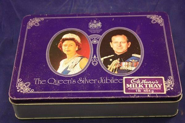 Cadbury Queens silver Jubilee Tin