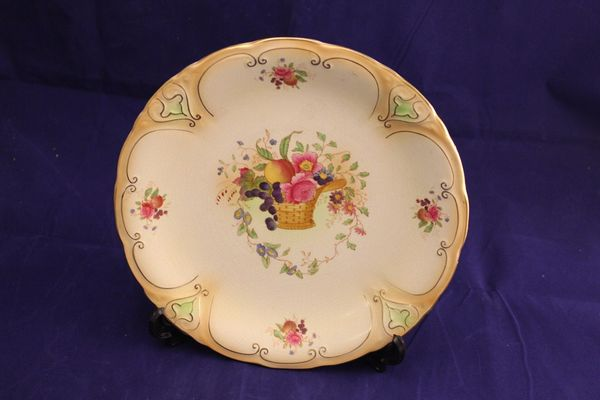 Crown Ducal Cabinet Plate