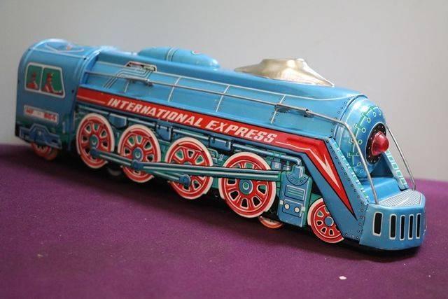 International Express Locomotive Friction Operation with Engine Noise