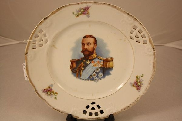 Pair of Plates George V + Queen Mary