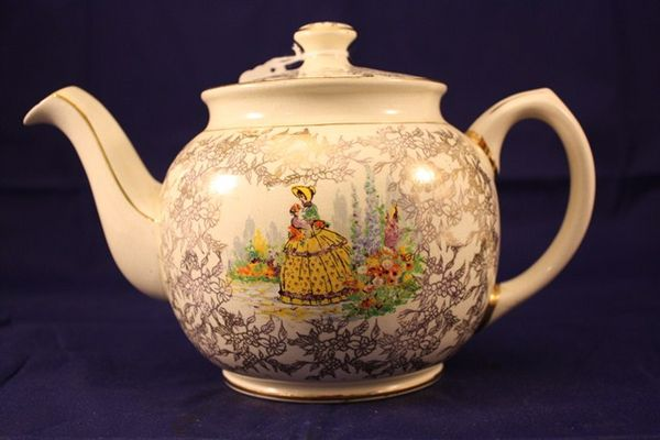 Sadler Crinoline Lady Tea Pot
