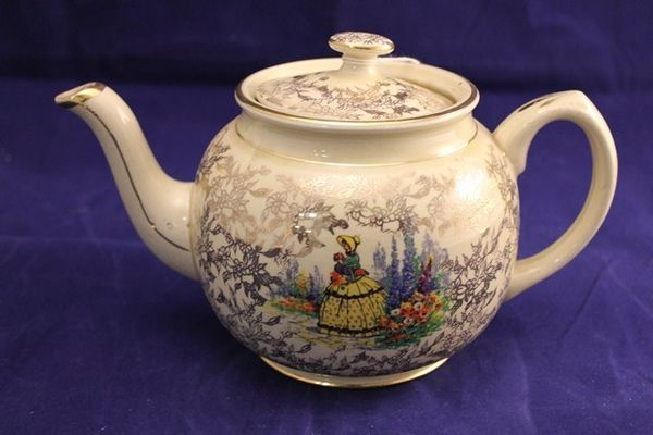 Sadler Crinoline Lady Tea Pot