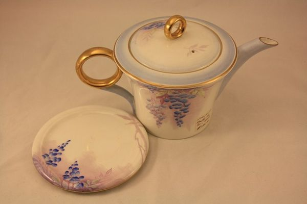 Shelley Tea Pot And Stand