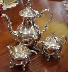 Quality 20th Century American Silver Plated 3-Piece Tea Set