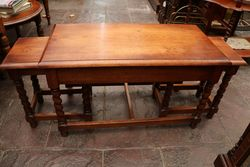Quality Nest of 3 Oak Tables