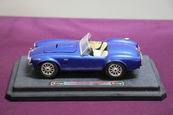 1:24 Burago Ford Ac Cobra 427 (1965) Model Car