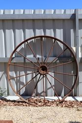 Antique Metal Spoke Wheel Garden Ornament.