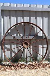 Antique Metal Spoke Wheel Garden Ornament. #