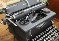 Imperial Typewriter with Standard Carriage