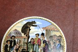 Ceramic Russian Bears Grease Pictorial Pot Lid