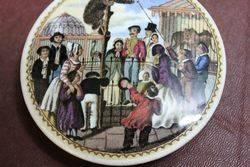 Ceramic Russian Bears Grease Pictorial Pot Lid