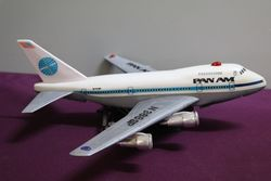 PAN-AM-BATTERY-OPERATED-PLANE-Seven-Seas-Toys-Vintage-