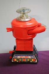 Remco 1966 Lost in space Motorized Robot Battery Operated